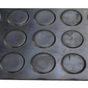 Tapis Caoutchouc Pastilles 3mm - larg.1.20m  (m²) pour pulvérisateur agricole
